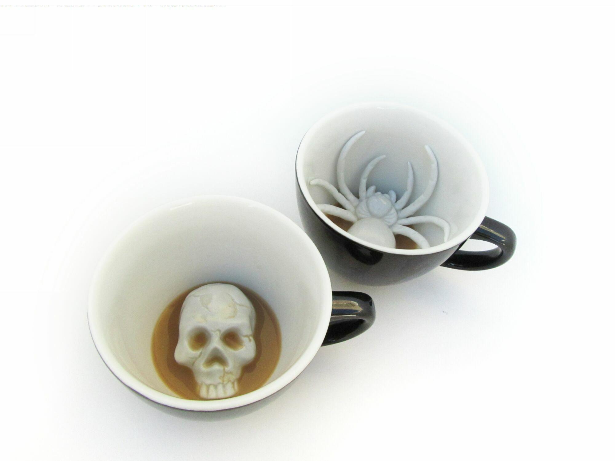 Кружка с черепом Skull 330мл
