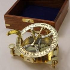 Морской компас в деревянном подарочном футляре