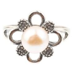 Кольцо из мельхиора с жемчугом Жемчужный цветок