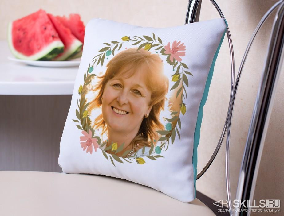 Подушка «Цветочное настроение» с вашим фото