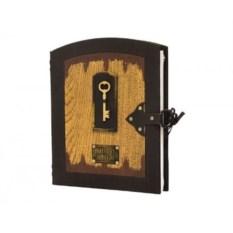 Фотоальбом в кожаном переплете с ключом