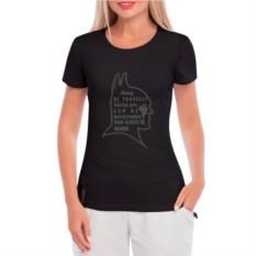 Женская футболка Будь Бетменом