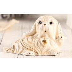 Декоративная фарфоровая статуэтка Собачка с кулоном