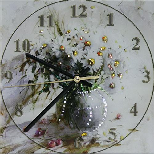Часы с кристаллами SwarovskiБукет ромашек