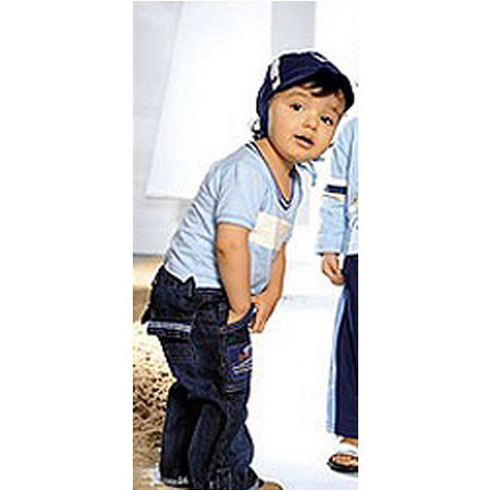 Комплект: джинсы, футболка