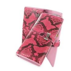 Ярко-розовое портмоне женское из кожи питона