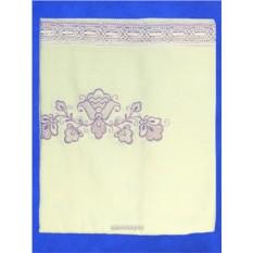 Кремовая льняная скатерть с фиолетовым кружевом