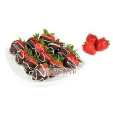 Фруктовые конфеты Клубника в темном шоколаде