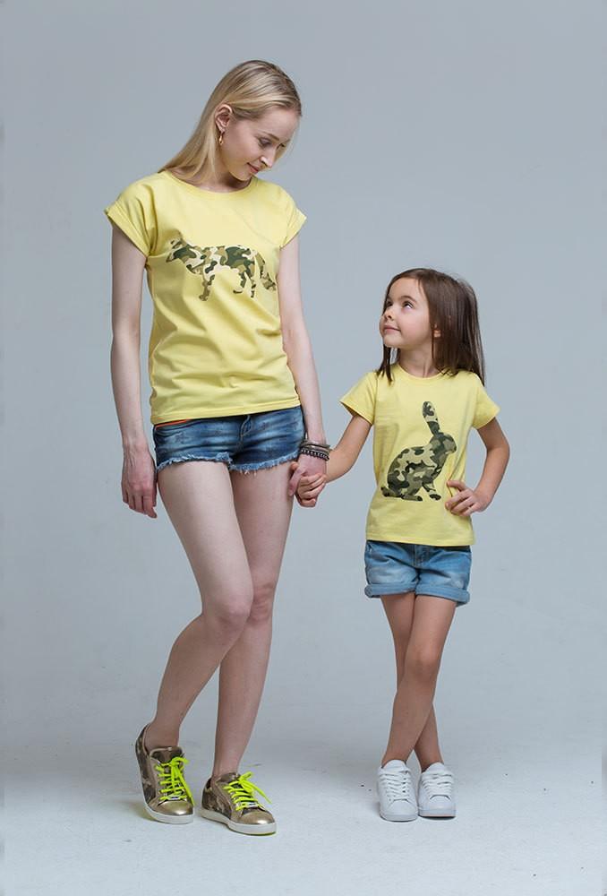 Комплект желтых футболок Military для мамы и дочки