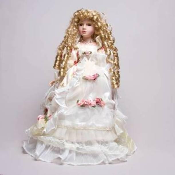Фарфоровая кукла Бэтти