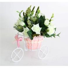 Цветочная композиция Розы белые. Велосипед малый