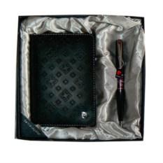 Черный набор из обложки для паспорта и ручки Pierre Cardin
