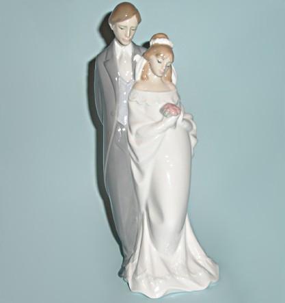 Фарфоровая статуэтка NAO Вместе навсегда