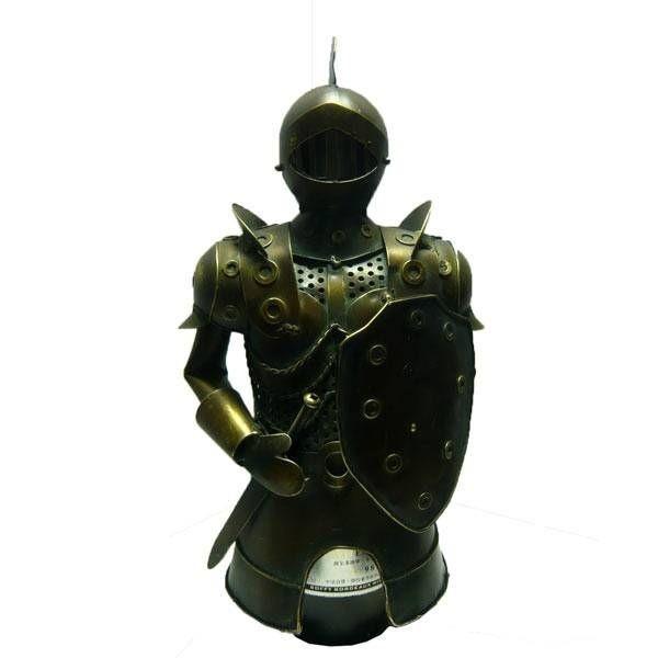 Декор бутылки из металла Рыцарь со щитом