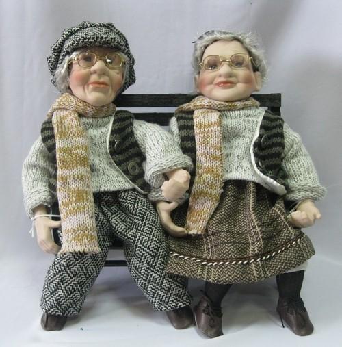 Куклы фарфоровые «Старички на лавочке»