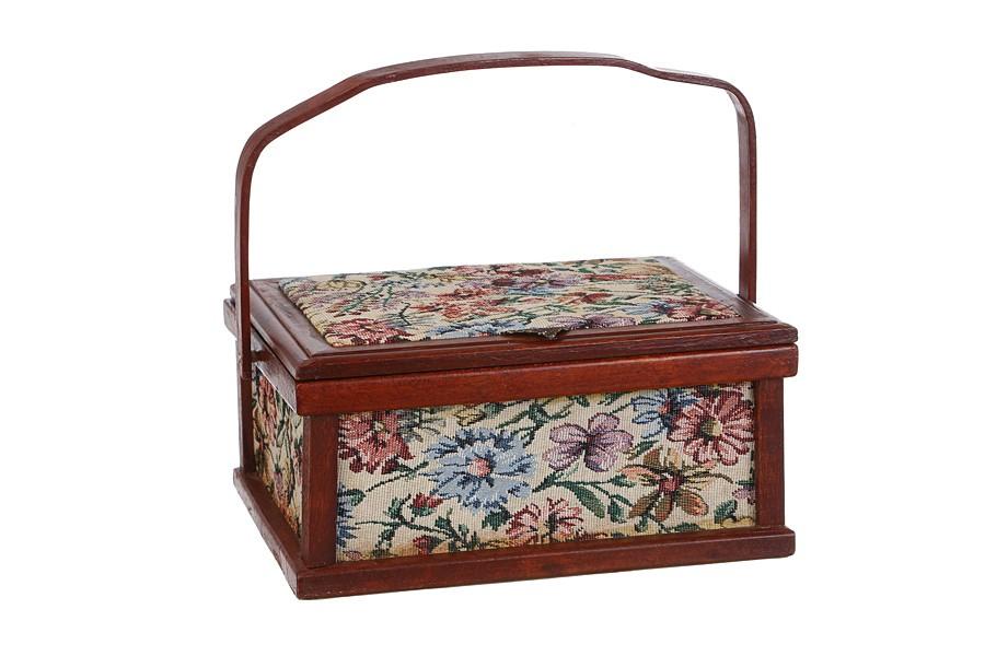 Коричневая шкатулка для рукоделия с цветочным мотивом