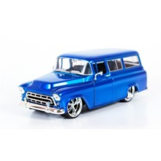 Модель автомобиля Chevy Suburban (1957)