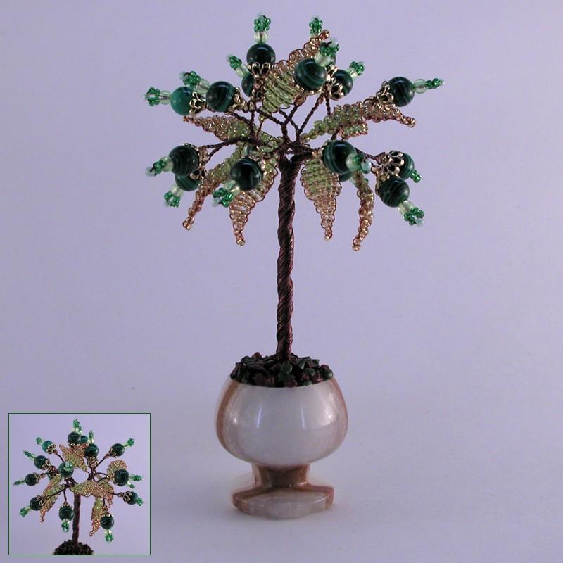 Миниатюрное дерево счастья из малахита в вазочке из оникса