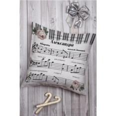 Декоративная подушка с вашим именем Музыка