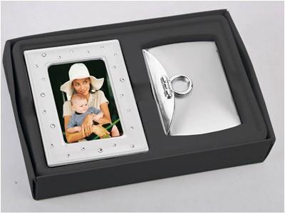 Подарочный набор: рамка для фото и зеркало