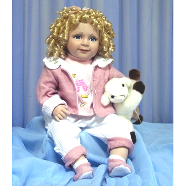 Кукла с овечкой