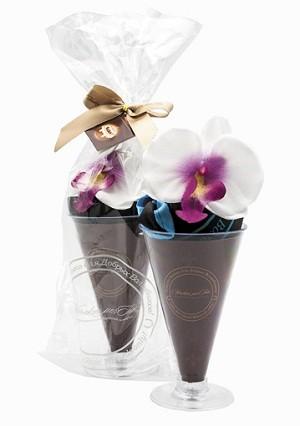 Сумка Парфе на основе шоколада с цветком Орхидеи