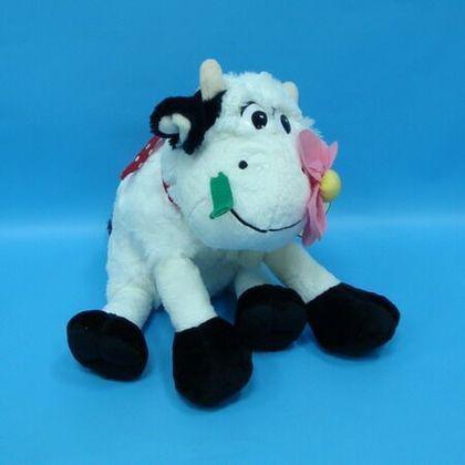 Корова «Манечка» с цветком