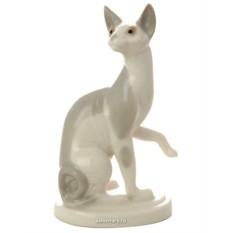 Серая скульптура Кошка сфинкс