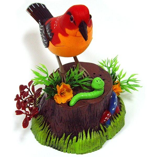 Птичка на пеньке с сенсорным датчиком