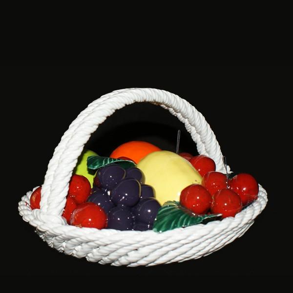 Корзина круглая с фруктами и вишнями
