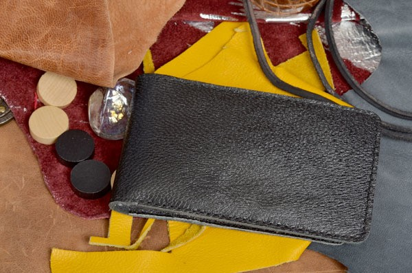 Карманная черная кожаная визитница Elole Design
