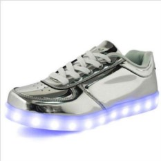 Серебряные LED-кроссовки со светящейся подошвой