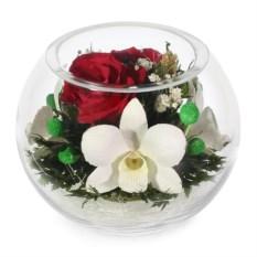 Цветочная композиция из розы и орхидеи