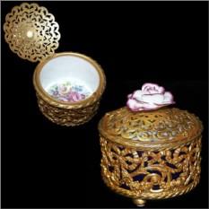 Шкатулка из фарфора в золотой оправе Роза Tiche Porcellane