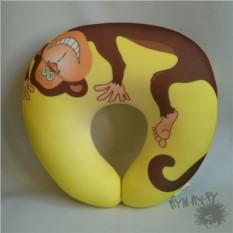 Подушка под шею Озорная обезьянка