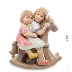 Статуэтка Девочки на лошадке (Pavone)