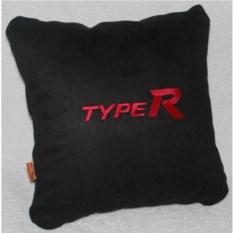 Черная с красной вышивкой подушка Honda Typer