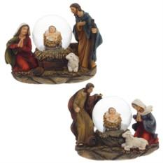 Декоративная рождественская композиция в стеклянном шаре