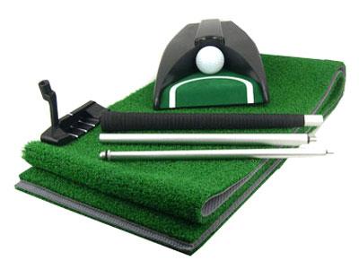 Мини-гольф с дорожкой и механизмом возврата шарика