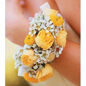 Браслет из роз на свадьбу