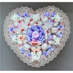 Букет из мягких игрушек и конфет Сладкие мишки