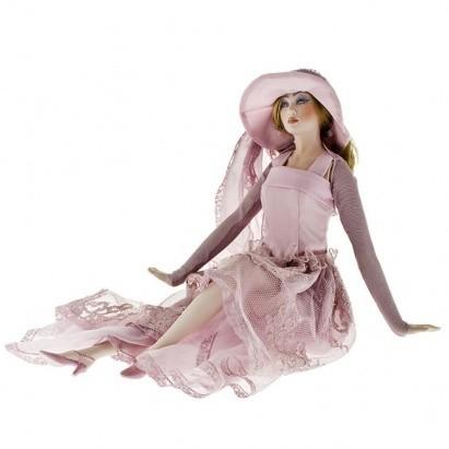 Кукла фарфоровая Emilia