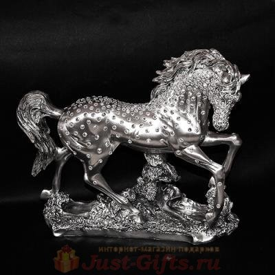 Скульптура Конь серебряного цвета