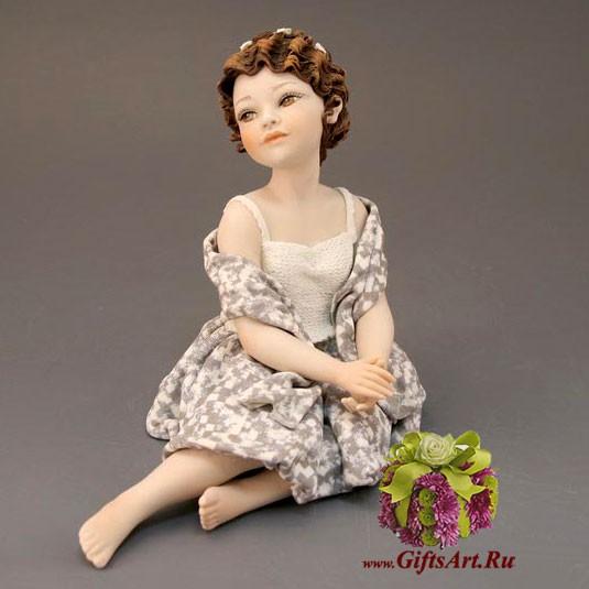 Коллекционная фарфоровая кукла Юность Sibania