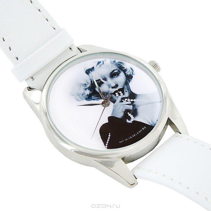 Часы наручные Mitya Veselkov Монро с бусами