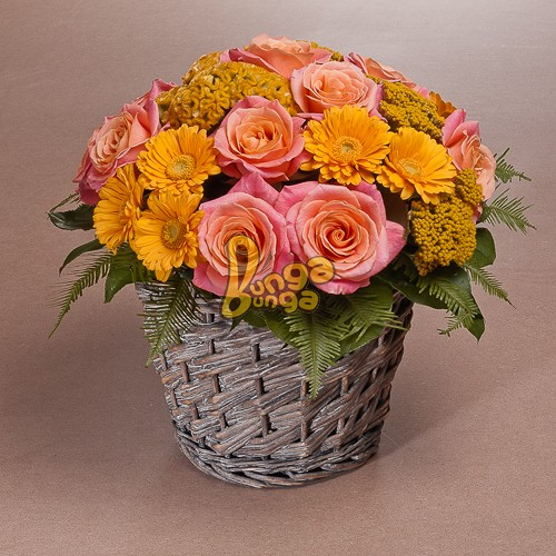 Бочка с цветами