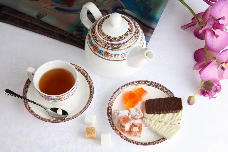 Чайный фарфоровый сервиз Гермес на 13 предметов