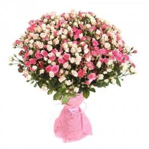 Букет из 101 кустовой розы Бело-розовая, 60 см