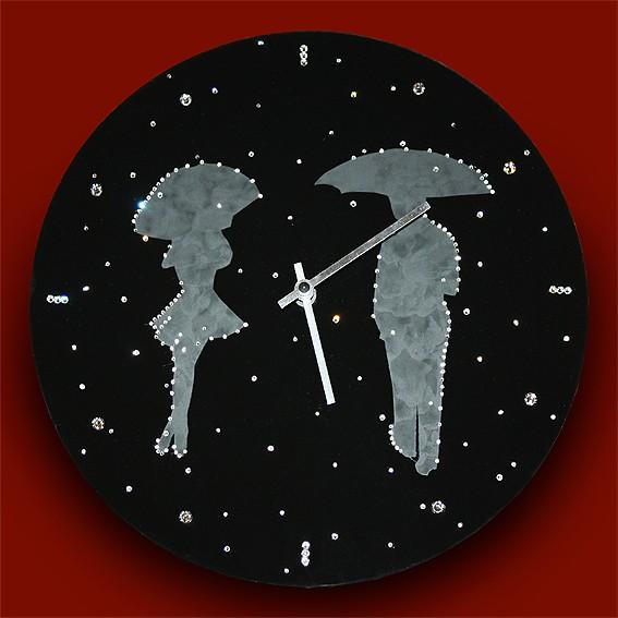 Часы с кристаллами Swarovski Влюбленные под дождем