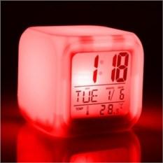 Часы-будильник Куб